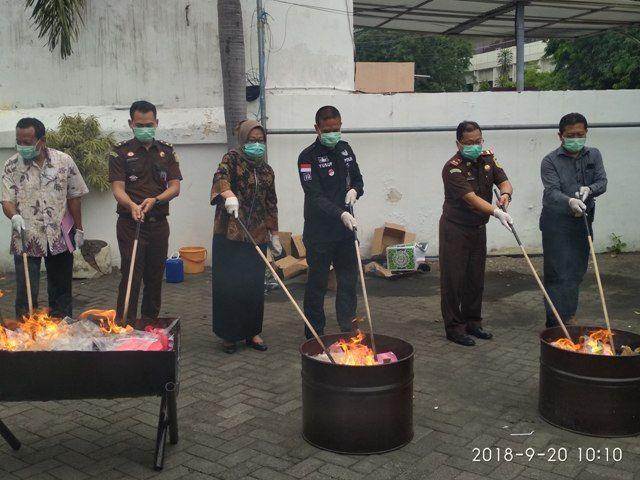 Kejari Tanjung Perak Musnahkan Sabu 514 Gram