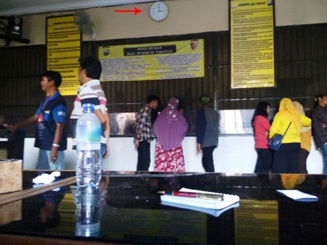 Jam Besuk Polrestabes Surabaya tak Beraturan