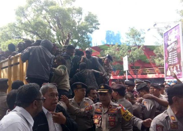 Seruan Papua Merdeka Ditolak Warga Kota Malang
