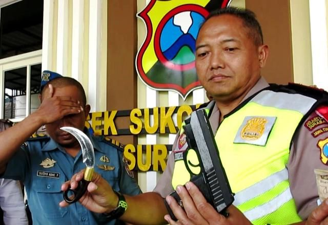 Modal Rp 50 Ribu, Sutoyo Bergaya Perwira TNI-AL