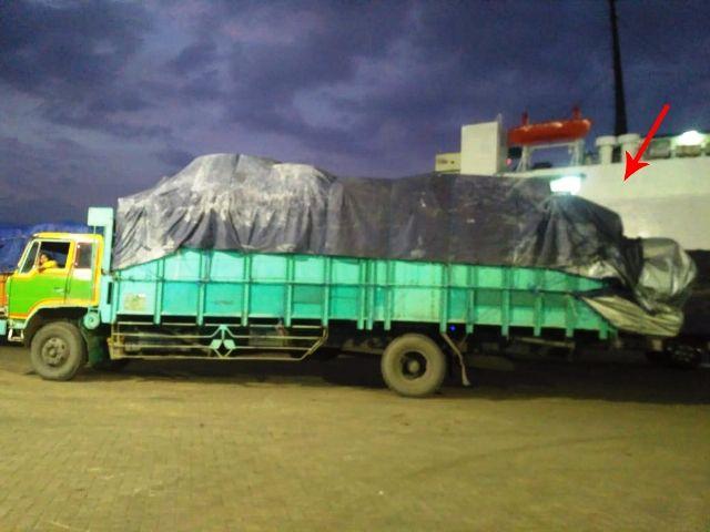 Melanggar Lalu Lintas, Polres Pelabuhan Tanjung Perak 'Tutup Mata'