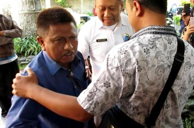 Wali Murid Protes Zonasi Pendidikan di Kantor DPRD