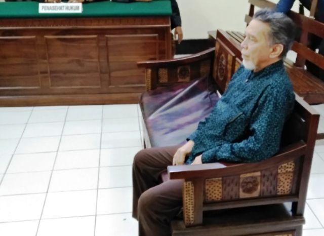 Hakim Kasus Haji Dituding 'Masuk Angin'