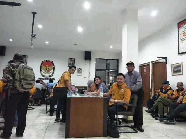 Rombongan Partai Hanura Daftar Bacaleg Surabaya